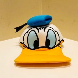 NWT Donald Duck Hat